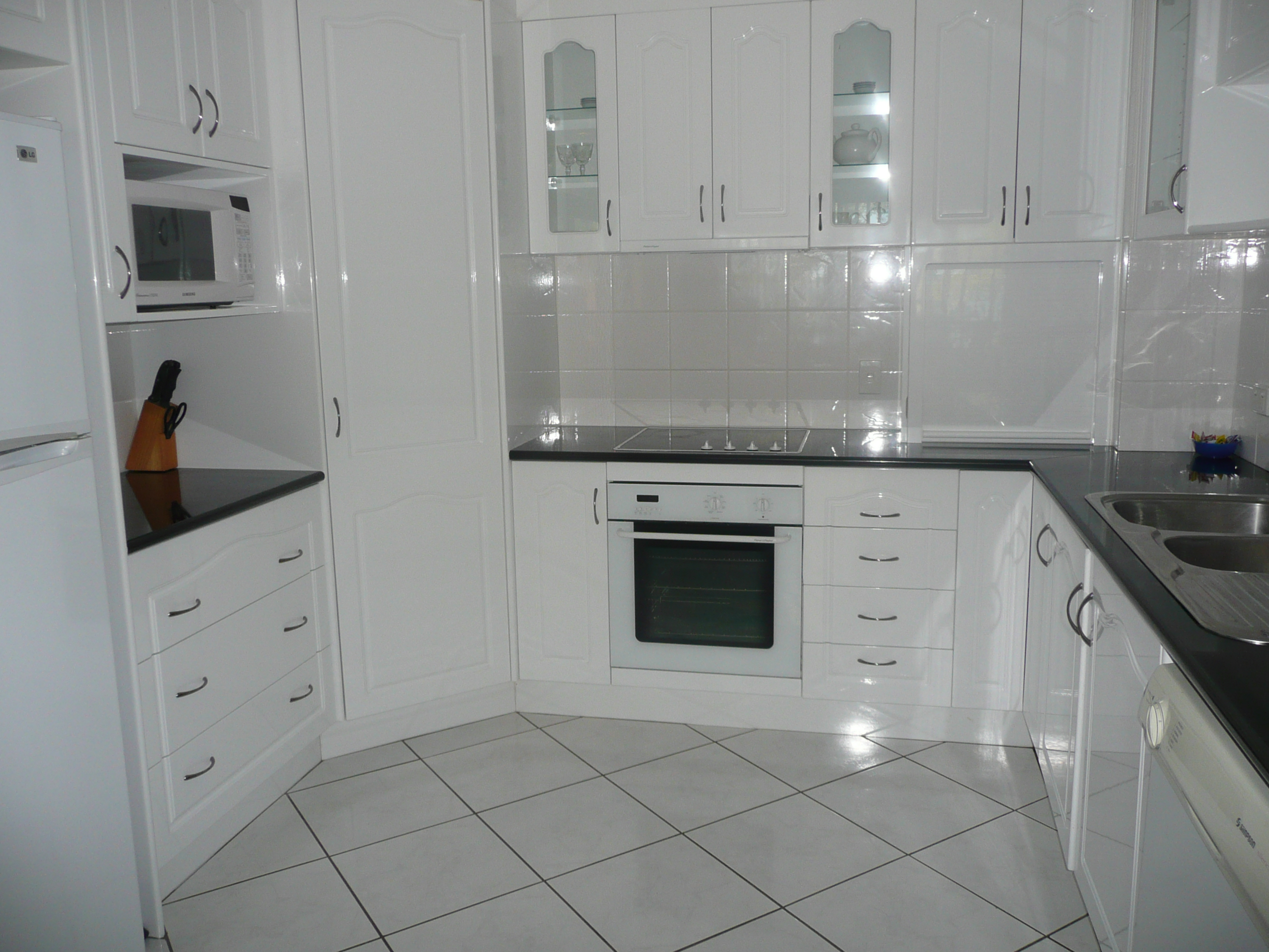 Accomodation Bribie Island The Gums Anchorage Holiday And Permanent Unit 23 Kitchen Gums Anchorage